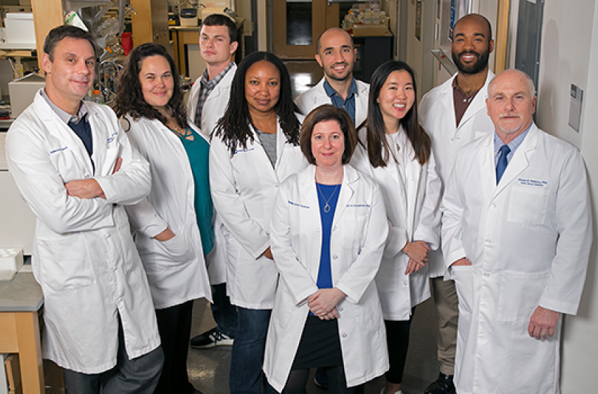 ennifer Freedman (center front), Steve Patierno (far right) and other researchers previously found RNA splicing differences in prostate cancer between African American men and White men. Now Freedman studies RNA splicing differences in lung cancer.